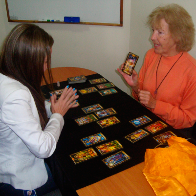ENGLISH TAROT CARD READING